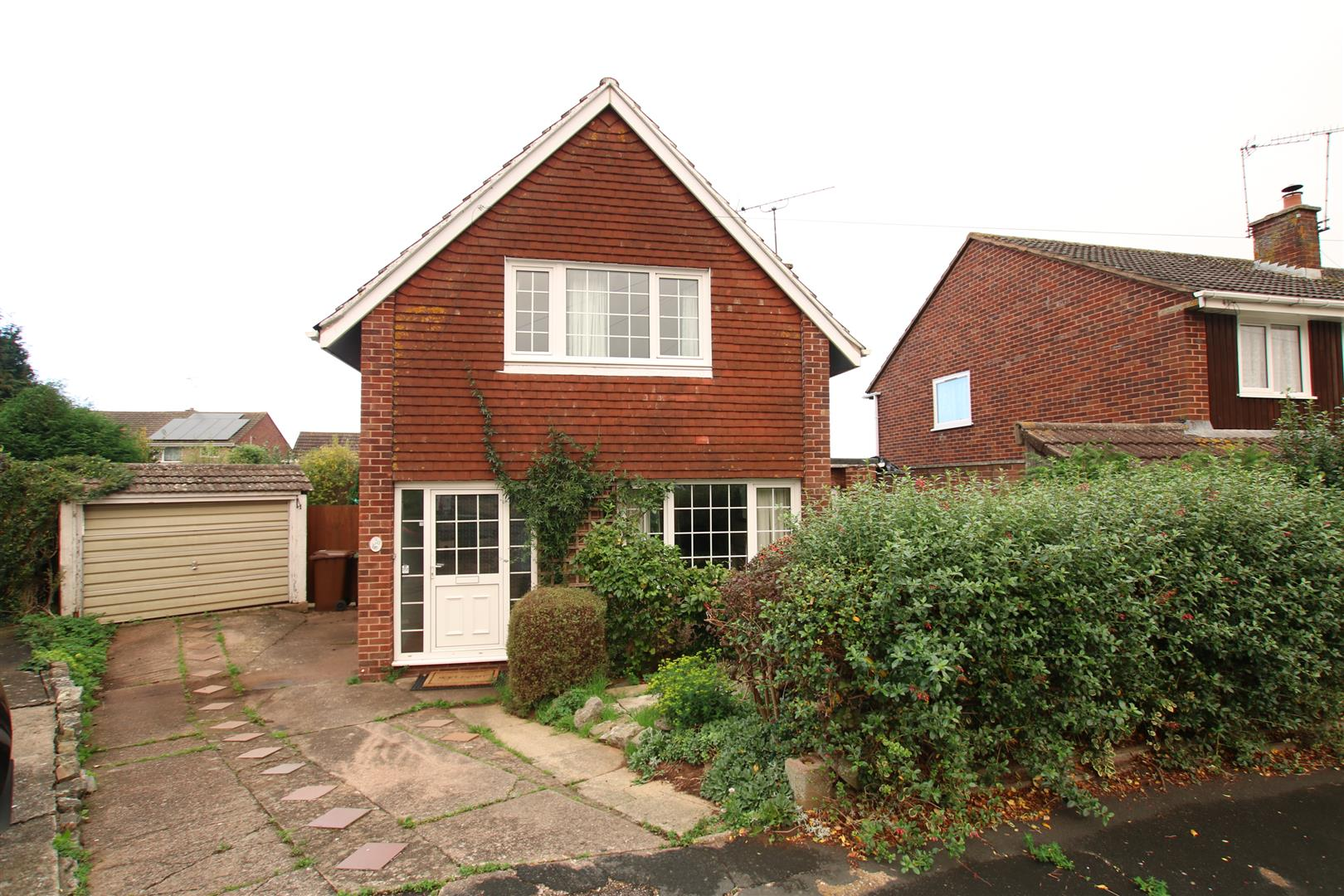 3 Bedrooms Detached House for sale in Walton Road, Broadfields, Exeter